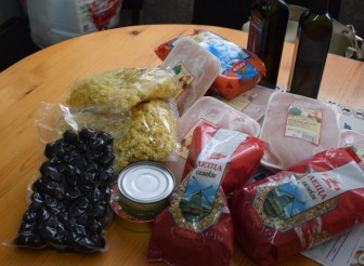 """Потребителите на сдружението """"Вяра – диабет"""" получиха безплатни хранителни продукти"""