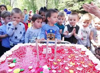 """Детската градина """"Еделвайс"""" отпразнува своя Рожден ден"""